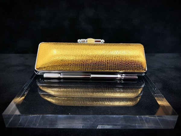 Case-shiny¥1,600+tax