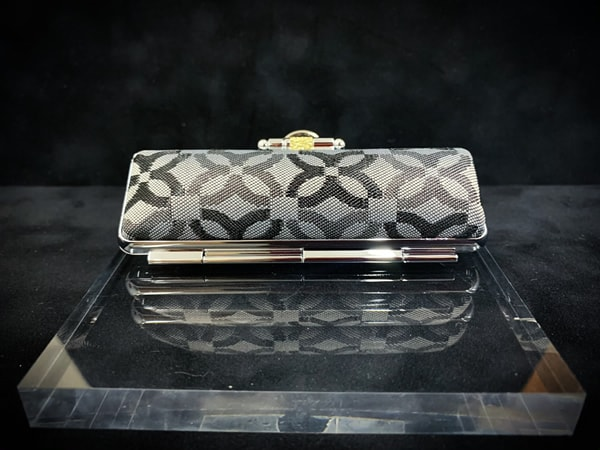 Case-monogram¥1,167+tax